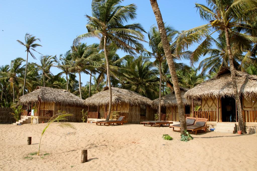 The huts at Mariposa.